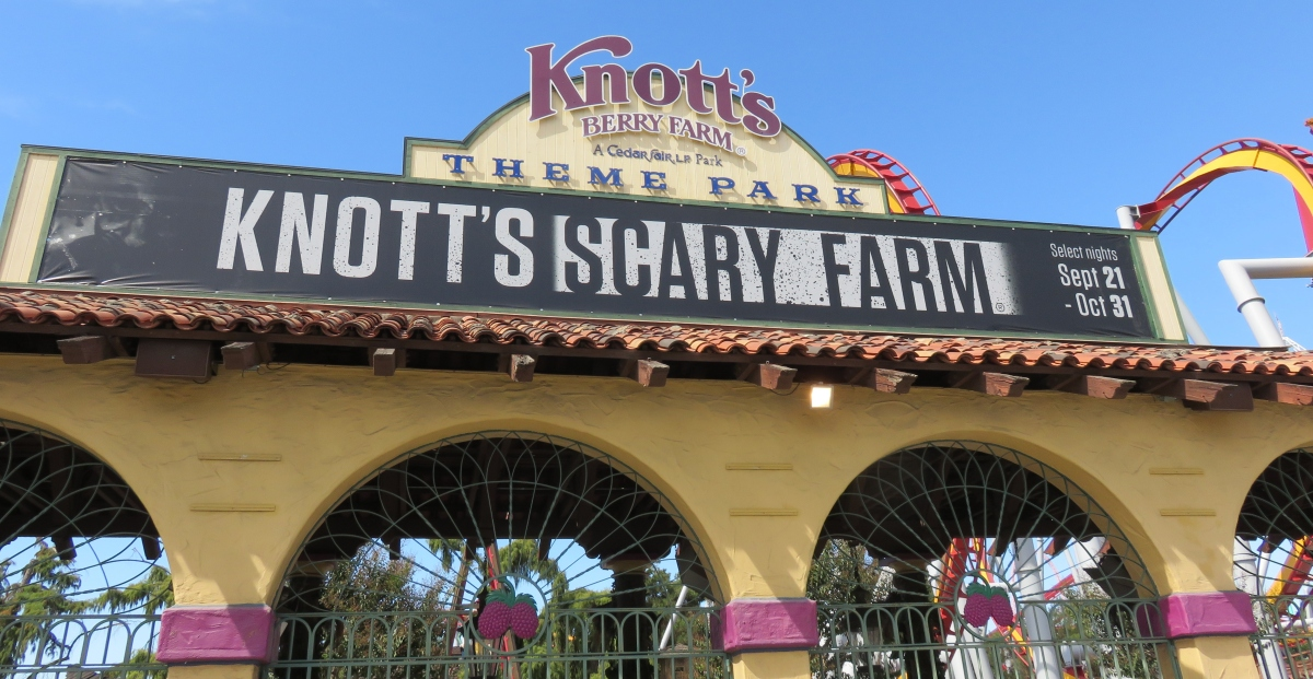 A Visit to Knott's Daytime Halloween