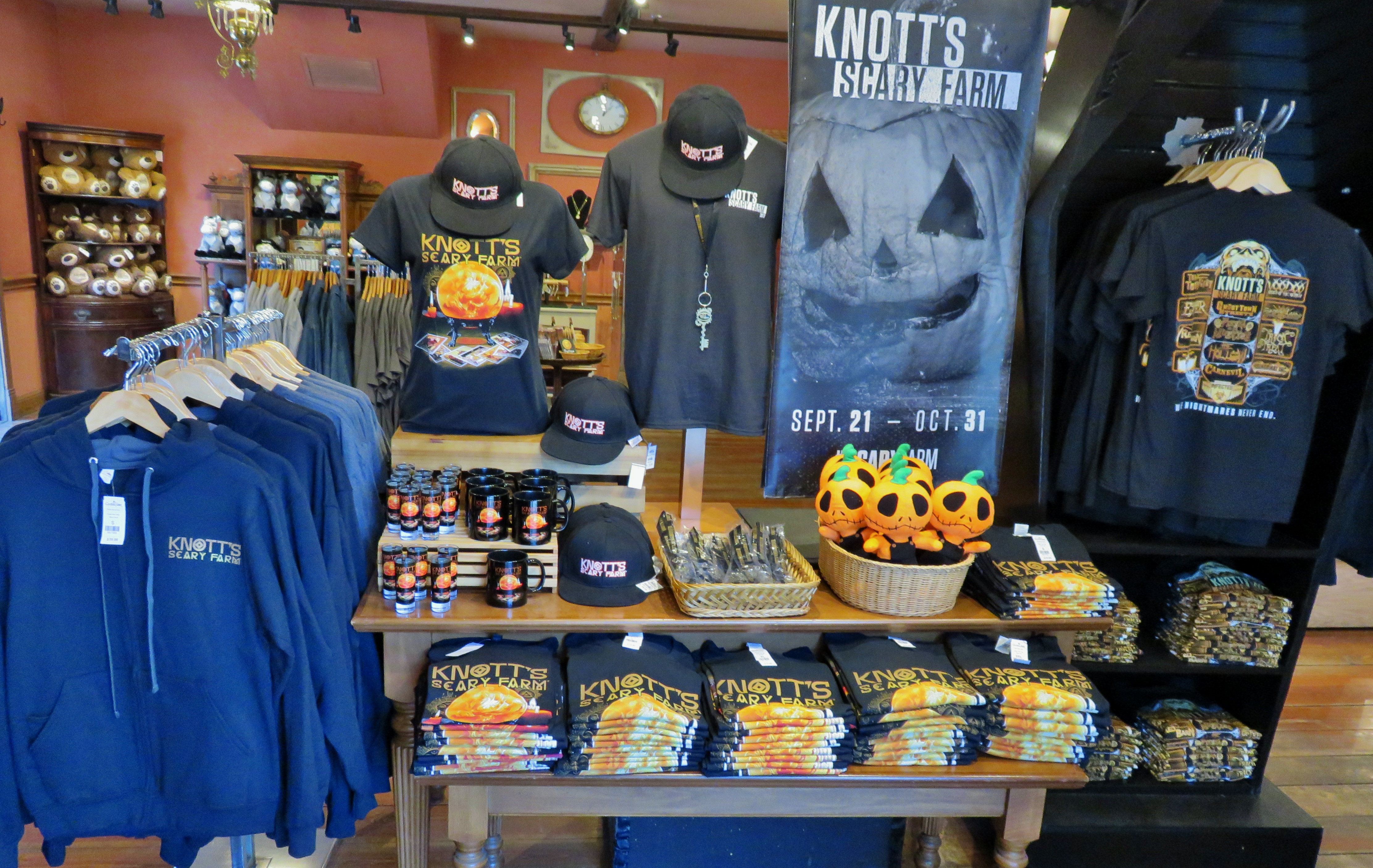 A Visit To Knott S Daytime Halloween